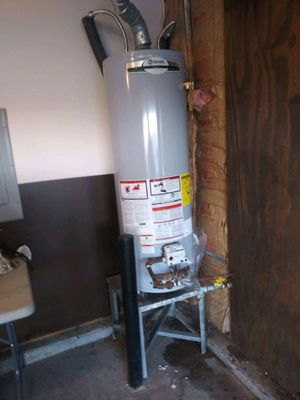 A o smith water heater 40 gal. Can deliver and install for Sale in Fort Mill, SC