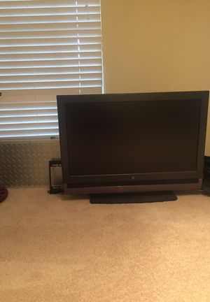 40' TV for Sale in Fairfax, VA
