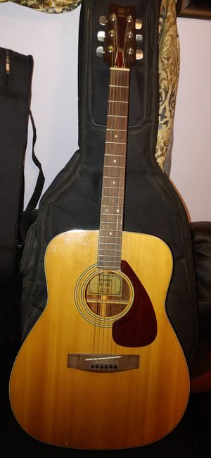 Yamaha guitar 200 firm for Sale in Denver, CO