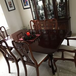 Cherry Wood Antique Dinning Table & Chairs includes Custom Padding. for Sale in Fort Washington, MD