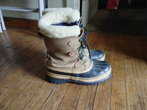 Snow. Rain. Boots. In excellent condition. 11 size men's. Made in Canada for Sale in Alhambra, CA