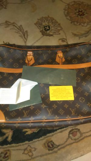Authentic Louis Vuitton documents bag for Sale in Lake Wales, FL