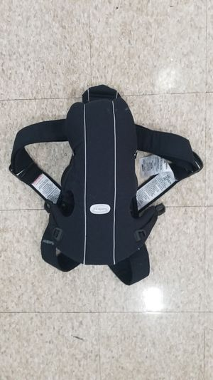 BabyBjorn - baby carrier for Sale in Baltimore, MD