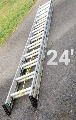 Louisville 24-ft Aluminum Ladder (Type 2-225#) for Sale in Damascus,  OR