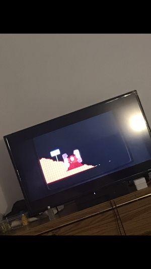 32 inch insignia tv for Sale in Upper Marlboro, MD