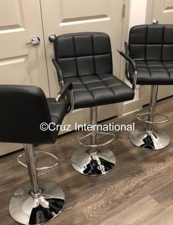 New 3 Black Bar Stools With Arms for Sale in Windermere,  FL