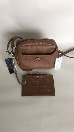 Tommy hilfiger crossbody bag with wallet brown leather for Sale in North Bay Village, FL