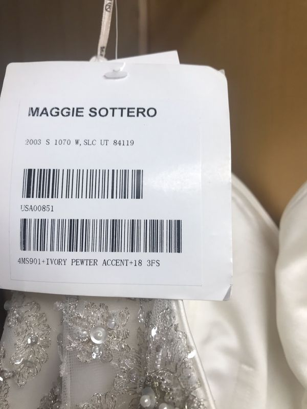 Wedding dress ball gown
