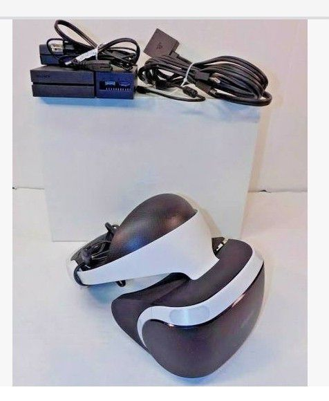 Playstation HDR VR headset w 2 move controllers