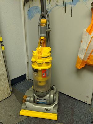 Dyson vacuum-Delivery available!! for Sale in Santa Ana, CA