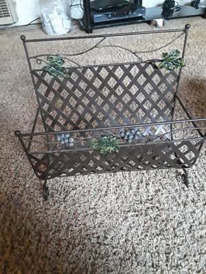 MAGAZINE RACK for Sale in Hanford, CA