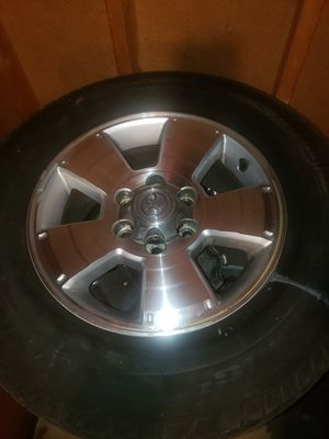 Toyota 4Runner OEM rims, tires and caps. for Sale in Chicago, IL