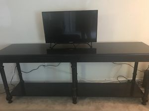 Tv Stand Cherry Brown Wood for Sale in Atlanta, GA
