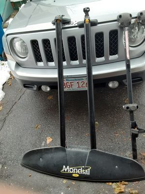 Mondial roof rack. Thule compatible. 2 bike top racks for Sale in West Springfield, MA