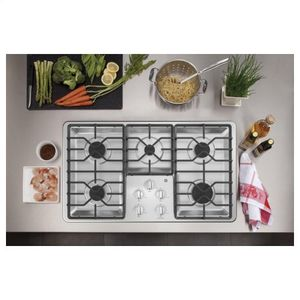 *MAKE AN OFFER*New GE white cooktop for Sale in Tacoma, WA