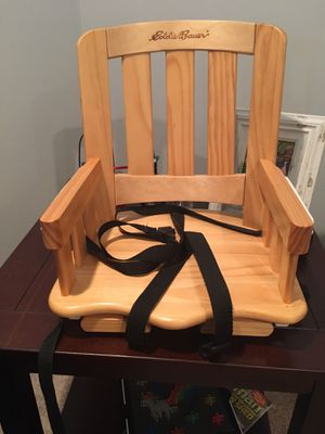 Eddie Bauer booster seat for Sale in Lorain, OH