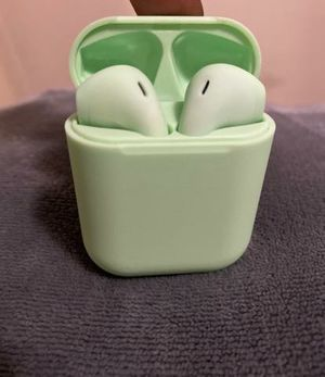 Bluetooth Earbuds W/ Charging Case for Sale in San Bernardino, CA