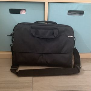 Black Laptop Bag - Incase for Sale in Miami, FL