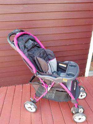 Hello kitty stroller for Sale in New Britain, CT
