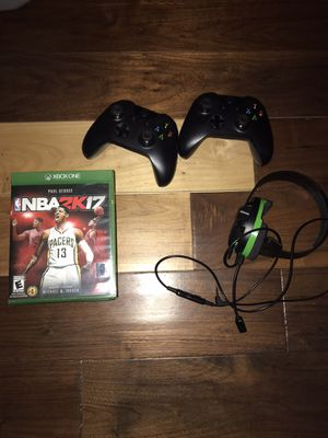 Xbox games, controllers and headset for Sale in Palos Hills, IL