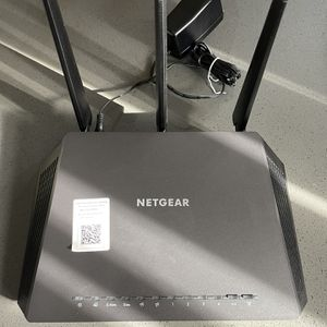 Netgear Nighthawk R7000 Dual Band WiFi 5 Router for Sale in Los Angeles, CA