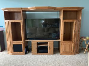 Amish built entertainment center for Sale in CANAL WNCHSTR, OH