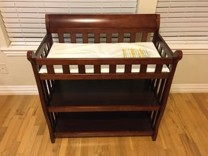 Delta Children Eclipse Changing Table (Espresso Cherry) for Sale in Irving, TX