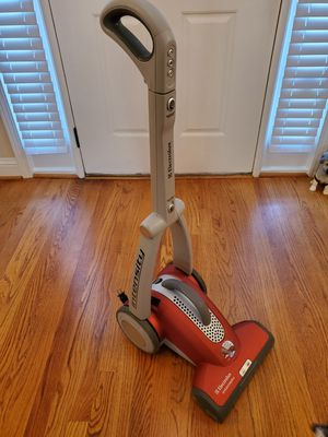 Electrolux Intensity EL5020 Fold-Up Upright Vacuum Cleaner for Sale in Duluth, GA