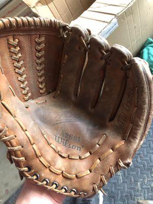 Wilson baseball glove for Sale in Vallejo, CA