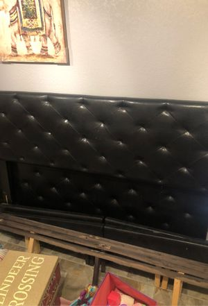 King bed frame with mattress no box spring for Sale in DeSoto, TX