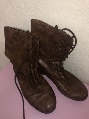 Womens size 7 1/2 Combat boots, lace all the way up(5$ for pick up!) for Sale in Euless, TX