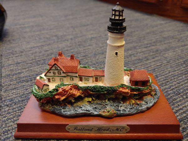 Collectable Lighthouses w/ engraving (4)
