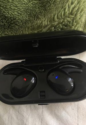 Touch two wireless earbuds for Sale in Puyallup, WA
