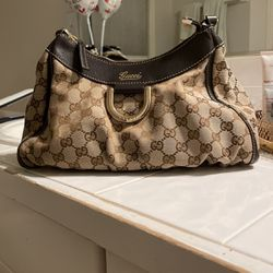 Gucci Shoulder Bag for Sale in Federal Way,  WA