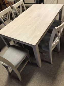 Luxury Six Seater Dinette Set for Sale in Indianapolis,  IN