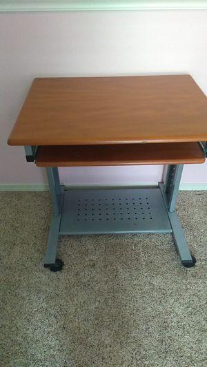 Small desk for Sale in Lake Stevens, WA