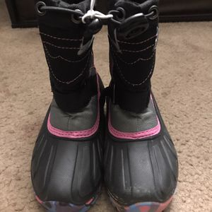 $20 NEW TODDLER SNOW BOOTS (8) for Sale in Orange, CA