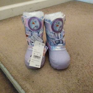 Brand NEW Size 7 Anna & Elsa Boots! for Sale in Woodbury Heights, NJ