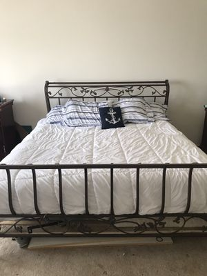 King size metal frame. 50$ for Sale in Shadeland, IN