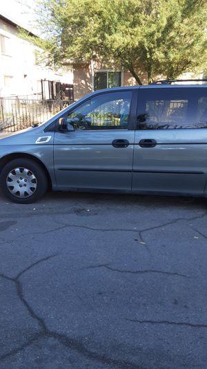 2000 hands mini van for Sale in San Bernardino, CA