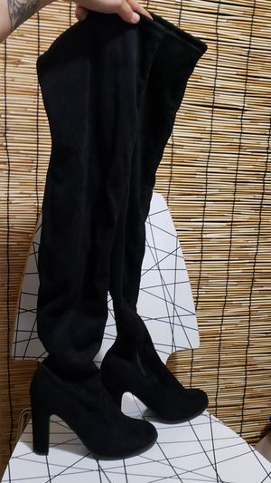 Women's Black Suede Knee High Boots (size 7.5) for Sale in Los Angeles, CA