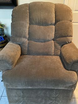 Recliner for Sale in Simi Valley,  CA