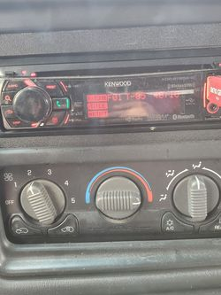 Car Radio for Sale in Newburgh Heights,  OH