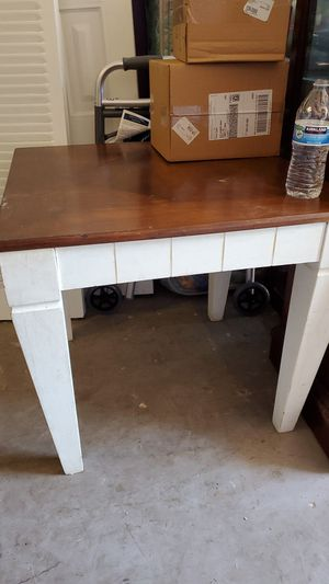 Side table and filing cabinet FREE for Sale in NEW PRT RCHY, FL