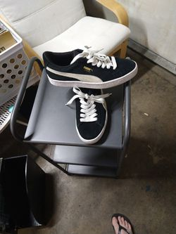 PUMA SUEDE SIZE 6C for Sale in Paramount, CA