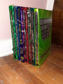 Guinness Book Of World Records 2006-2011 for Sale in Willoughby,  OH