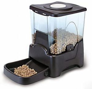 PENDING PICK UP - Automatic Pet Feeder - Please See Last Picture! for Sale in Richmond, VA
