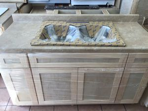 5ft kitchen cabinet countertop for Sale in Downey, CA