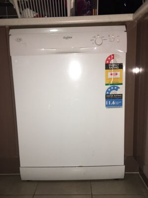 Dish washer 240V 50HZ used in Austraila for 2 years for Sale in Ashburn, VA