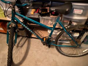 Pending a Pick Up......Free Roadmaster bike for parts; Needs work and new rims and tires for Sale in Santa Ana, CA